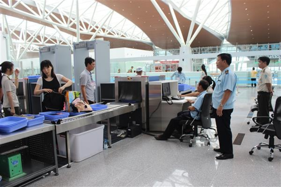 customs responds to the case where luggage was ransacked and stolen at the airport