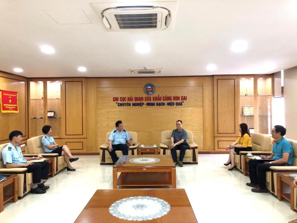 Hon Gai Customs: Reforming support methods to enterprises