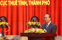 Prime Minister Nguyen Xuan Phuc: Tax sector must prevent situation that leaders direct drastically but some tax officials have not performed
