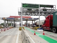 Postpaidelectronic toll collection: Very reasonable but slow