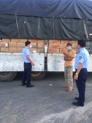 An Giang Customs seizes 8,600 packs of wet wipes