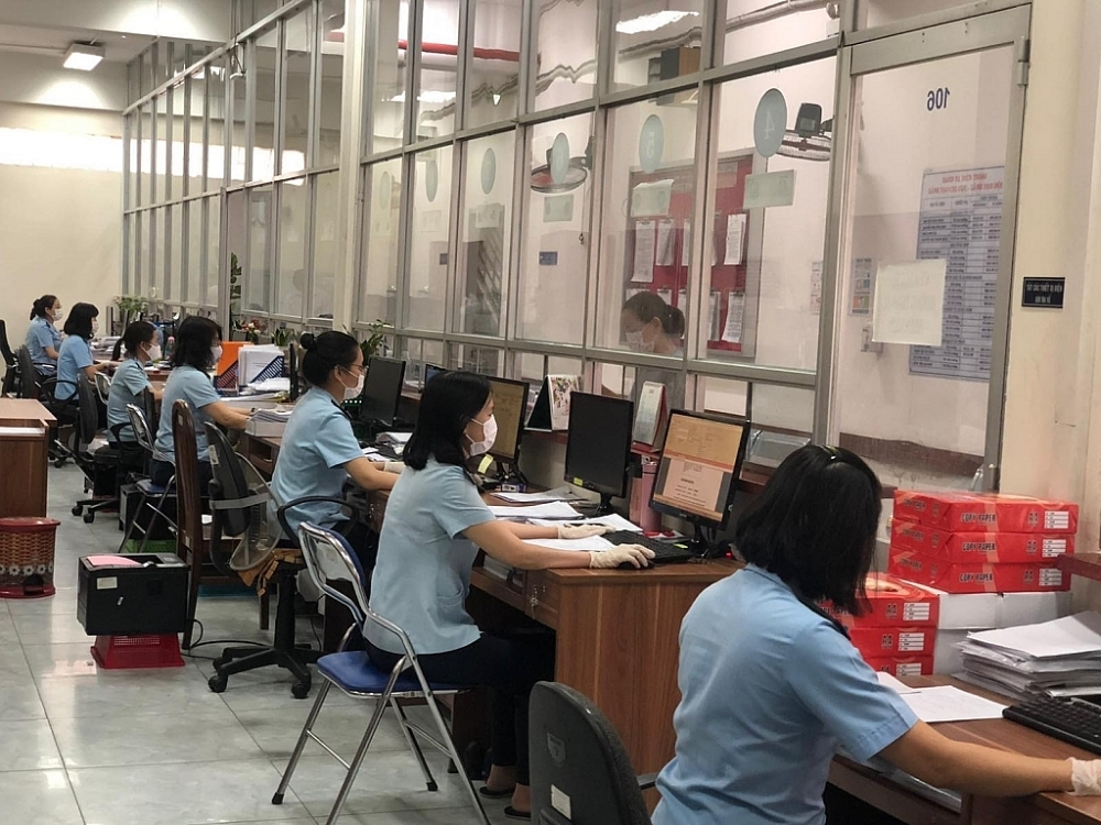 HCM City Customs Department stops carrying out procedures for tax debtors