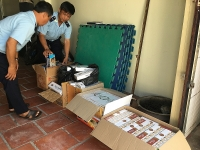 Dong Thap Customs seizes cigarettes on the river