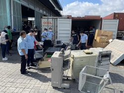 1st Zone Sai Gon Seaport Customs Branch prevents tax loss