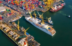What solutions are needed for cargo congestion at seaports?