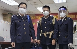 """HCM City Customs arranges """"three-on-the-spot"""" employees to conduct customs clearance"""