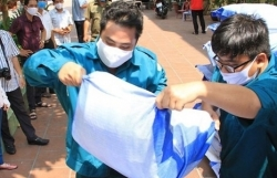MoF speaks about Ho Chi Minh City's proposal for emergency help for people hit by Covid-19