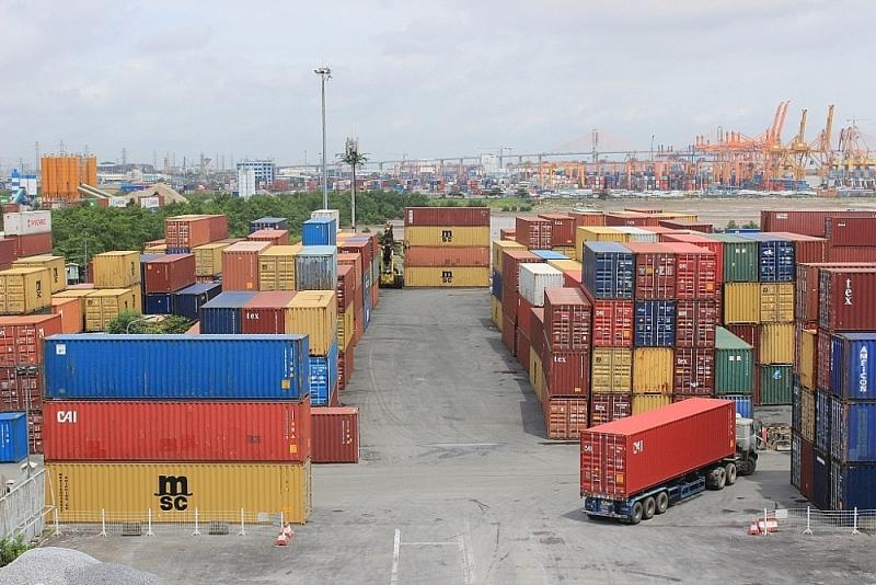 Imports and Exports at Hai Phong Port. Photo: N. Linh