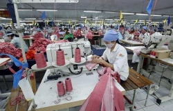 Workers' average income up in first quarter