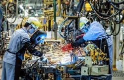 Vietnam's manufacturing sees decline in output amid COVID-19 outbreak