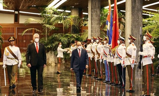 Vietnam, Cuba issue joint statement on President Nguyen Xuan Phuc's visit hinh anh 2