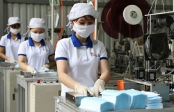 Vietnam exports over 15 million medical masks in August
