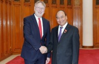 PM Phuc wishes for early approval of trade deals with EU