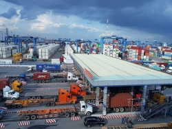 The Ministry of Finance works to solve the congestion of imported goods at Cat Lai port