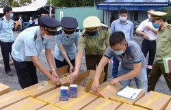 Hai Phong Customs seizes 1 million packs of cigarettes counterfeited 555 brand