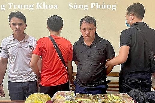 Sung Phung and Vang Trung Khoa and drugs were seized. Photo provided by Lao Cai Police.