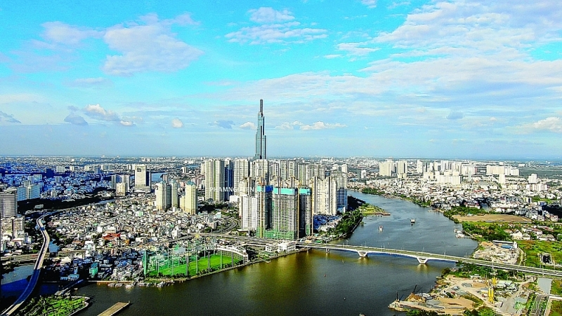 HCM City's economic recovery speed depends largely on the speed and scale of support from the Government and HCM City. Photo: ST