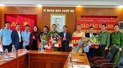 Cao Bang Customs coordinates to seize 25 bricks of heroin