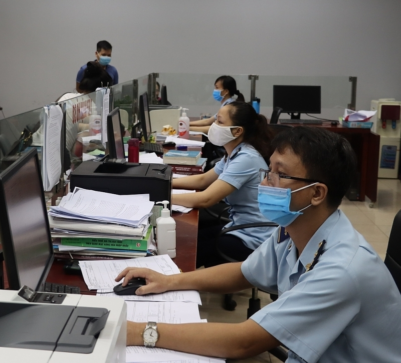 Revenue collection of the Customs sector increased quite well in the first 9 months of the year. Photo: T.Bình.
