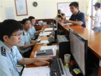 Ha Tinh Customs: Receiving and solving 297 dossiers through online public service
