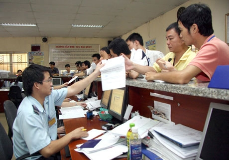 HCM City Customs: Collecting VND350 billion from consulting price of imported automobiles
