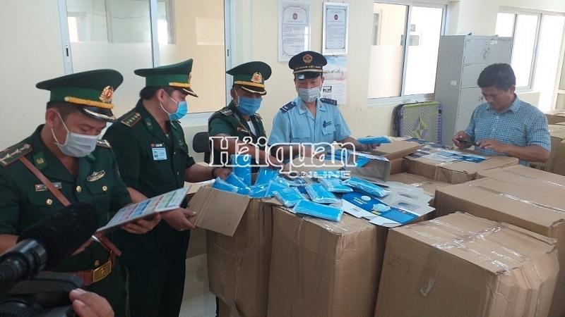 An Giang Customs seized a huge export of medical masks